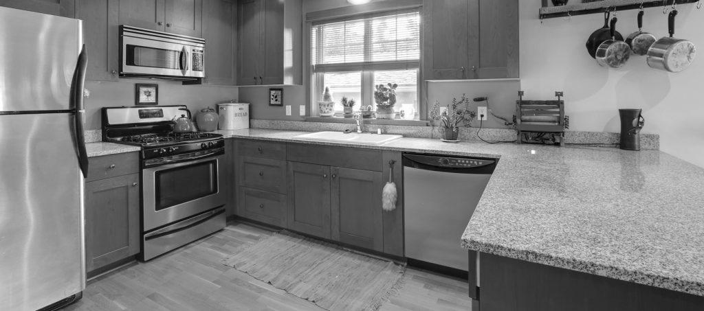 lexmar usa black and white slider image of granite countertop