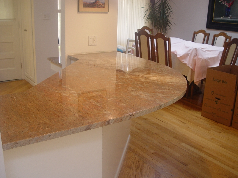 rounded edge of granite countertop on kitchen in pittsburgh home