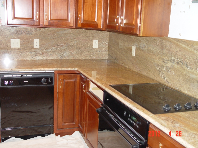 granite countertop in a pittsburgh kitchen done by lexmar