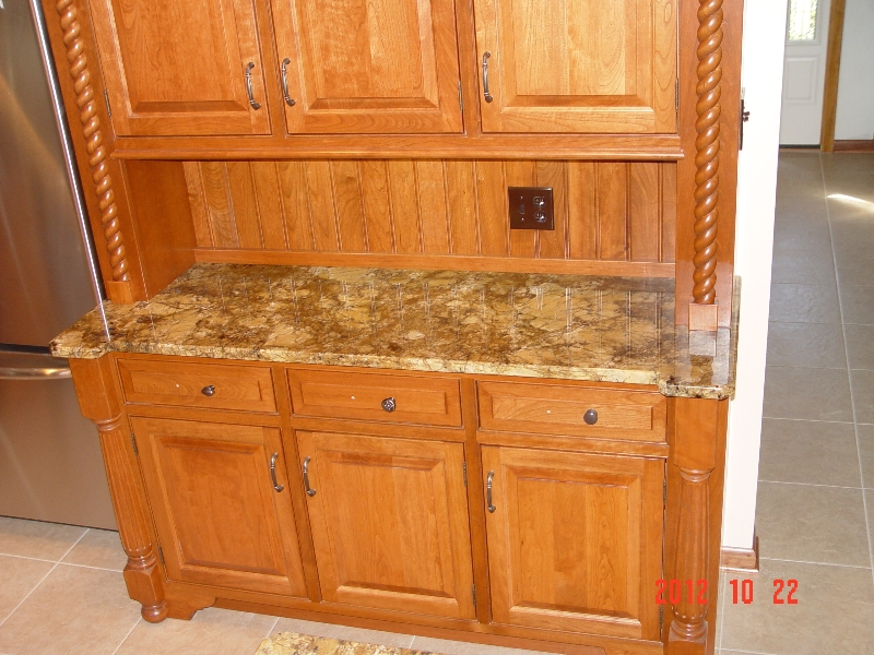 granite countertop under shelving in a Pittsburgh home